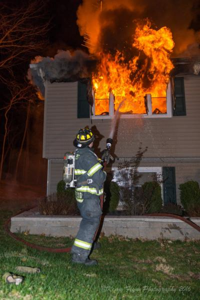 Structure Fire, 45 Mesa Place.  4/1/16.  Photo:  Kenny Flynn